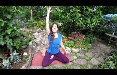 Julie_Byrd_garden-shoulder-image